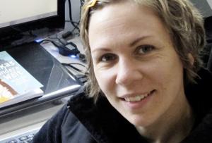 Freie Menstruation und NER – Interview mit Caroline Oblasser
